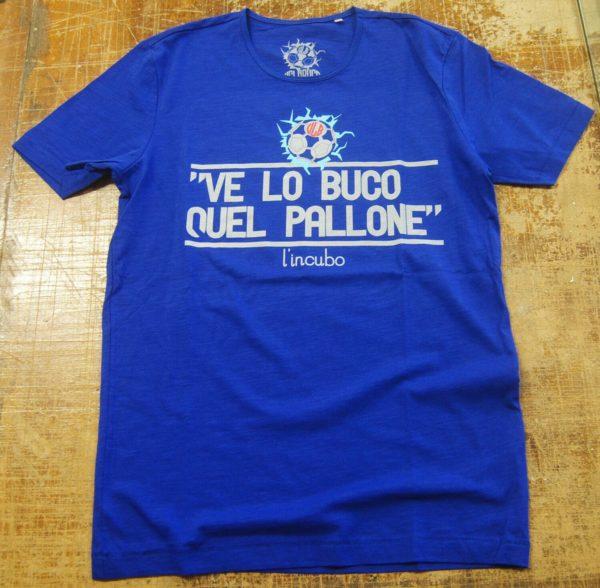 T-shirt blu ve lo buco quel pallone